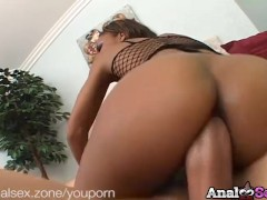 Picture Submissive ebony slut Marie Luv gets anal fu...
