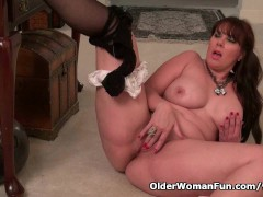 Picture Pantyhose make mom Lauren s pussy scream for...