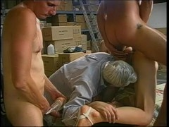Picture Tranny get s GangBanged