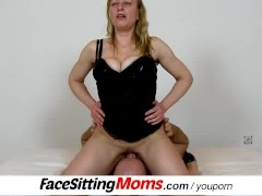 Picture Czech housewife Gabina enjoys a pussy lickin