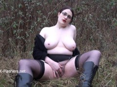 Picture Chubby amateur flasher Alyss in public mastu...