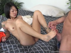 Picture Saya Song Wraps Perfect Asian Toes Around Co...
