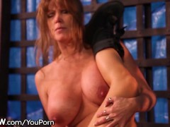 Picture Lesbian Cougar Tribbing with Ash Hollywood