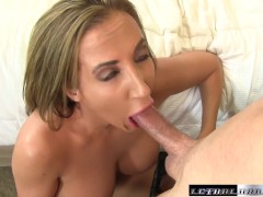 Picture Richelle seduces her trainer and licks his b...
