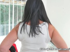 Picture Milf secretary Ria Black takes a break from...