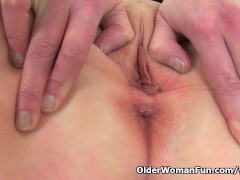 Picture British milf Fiona fingers her soaking wet p...
