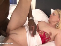 Picture Granny wants black cock in her pussy and to...