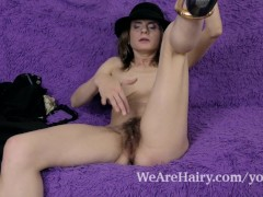 Picture Pique Dame strips and masturbates on her cou...