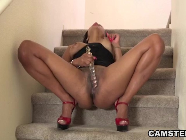 ebony pussy squirts Scambisti Maturi - Italian mature BBW squirts while getting pussy and ass  banged.
