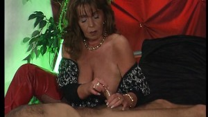 Mature German hooker 1/2