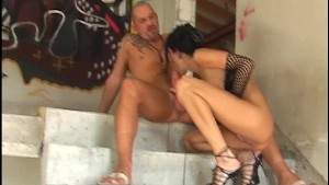 Hot sex in an abandoned building 3/4