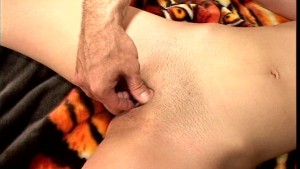 Brunette lets s her feet do the jerking