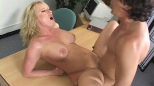 Please cum on my face, I beg you (CLIP)