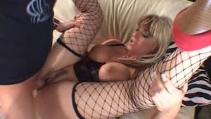Blond mom screwed dep..in her pussy..