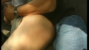 Hottie gets a ride she can count on (CLIP)
