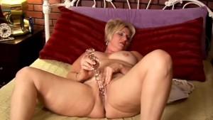 Mature amateur with big tits