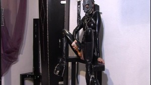 Latex suit gas mask chick toys with her pussy