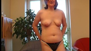 Chubby amateur plays with red dildo - KLBR Produktion