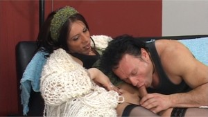 Tranny sticks it in his ass - Latin-Hot