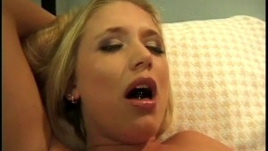 She Licks Her Till She Squirts - Gentlemens Video