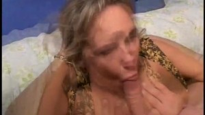 MILF loves to give head - Gentlemens Video