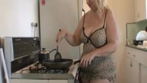 Old MILF showing her loneliness