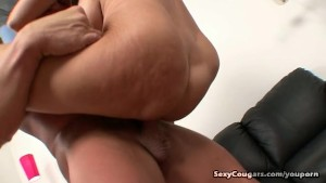 Horny Milf Makes Late Night Booty Call