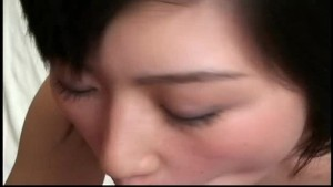 Hot amateur Asian babe blowjob