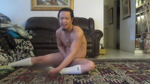 I CAN SUCK MY OWN COCK WHILE DOING THE SPLITS