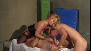 Massage turns into awesome threesome - Legend