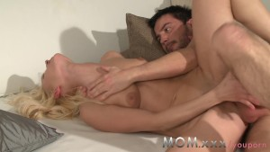 MOM Blonde MILF enjoys a good fucking