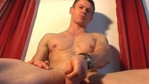 Full video: Jero an handsome french sport uy get get wanked his hard cock by a guy !