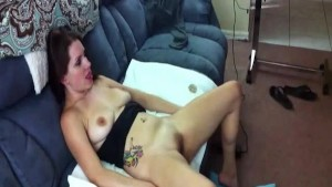 Dude Filming His Super Hot GF Fucking And Cumming In Her Pussy