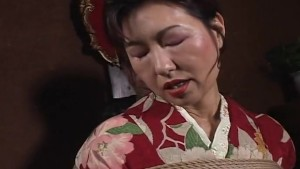 Japanese MILF in kimono gets tied up