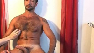 Handsome mature arab guy get waked his huge cock by a guy !