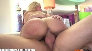 ManuelFerrara Anikka Albrite SQUIRTING over Manuel s huge cock!