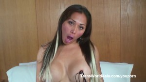Saphior shows her Asian shemale cock