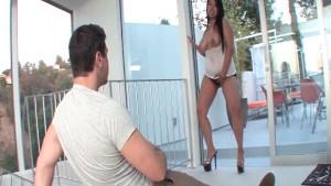 Super hot slut gives remarkable blowjob