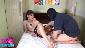 TS Filipina Shemale Cum in Her Boytoy s Mouth