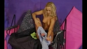 Sexy blonde babe masturbates - Julia Reaves