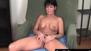 Busty Kassandra Masturbating Her Quim