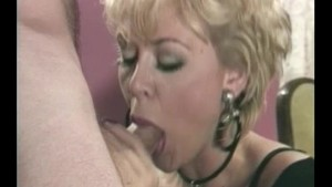 Two mouths for one cock - Julia Reaves