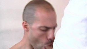 My str8 neighbour made a porn: watch his huge cock getting to suck a guy!