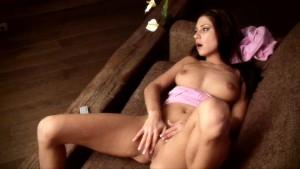 Naughty Rachel Evans masturbates