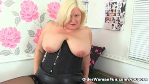 British gilf Lacey Starr masturbates at the office