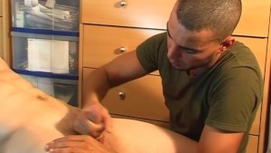 Full video: A innocent delivery str8 guy serviced his big cock by a guy!