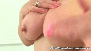 Aunty Trisha s hard nipples and old pussy need loving