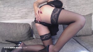 Heißer Teen Striptease NinaDevil