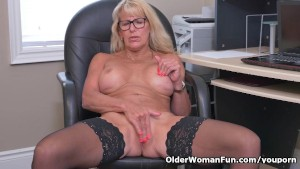 Canadian milf Bianca masturbates at the office