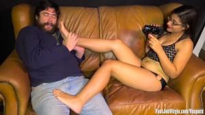 Ella having her feet worshipped